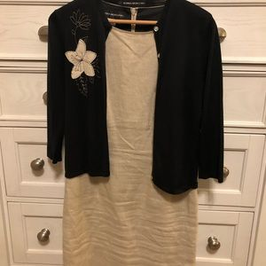 DONNA MORGAN SIZE 6 - tan linen with black sweater